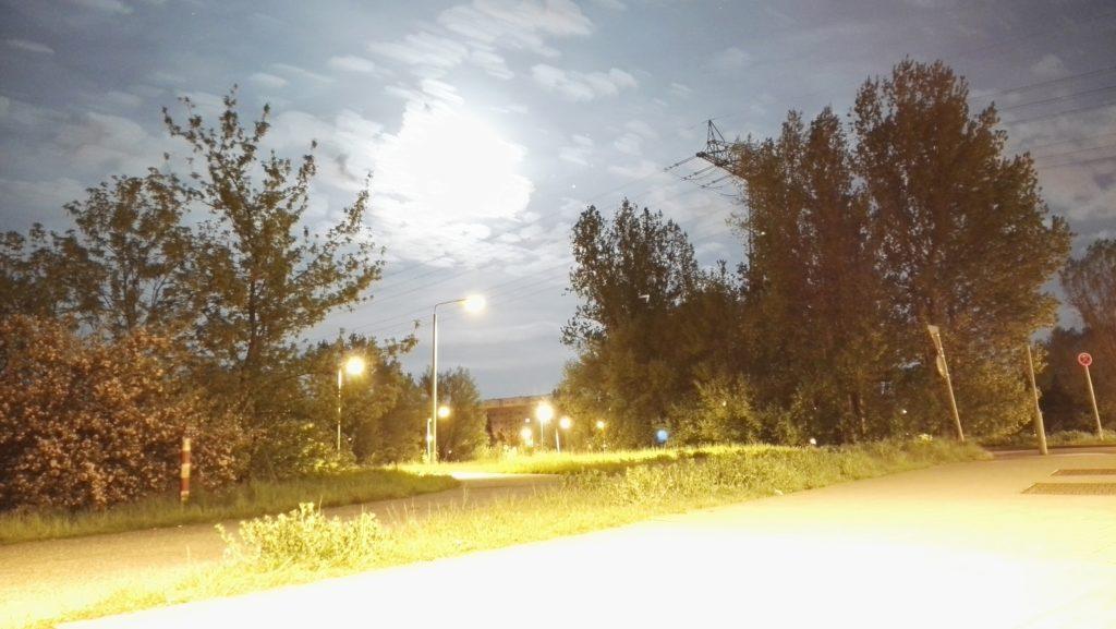 Huawei P8 Startrail-Modus Mondaufnahme